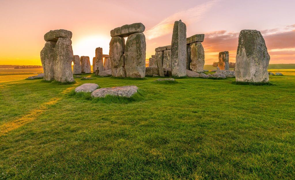 Stonehenge is ideal attraction outside of London