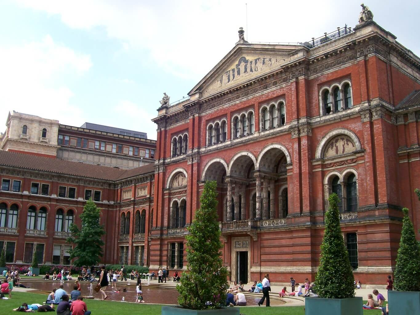 London for free itinerary trip to london for Victoria and albert museum london